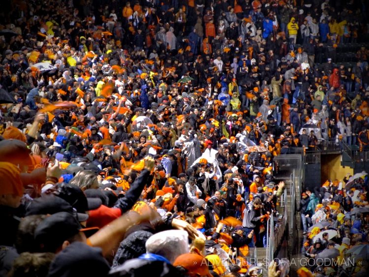 The crowd goes nuts after the San Francisco Giants win the NLCS Game 7 at AT&T Park