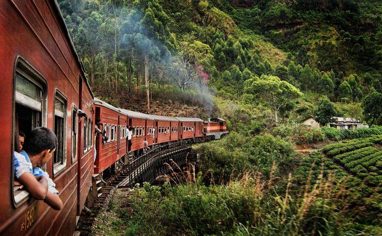 A train ride through the Ella hills in Sri Lanka
