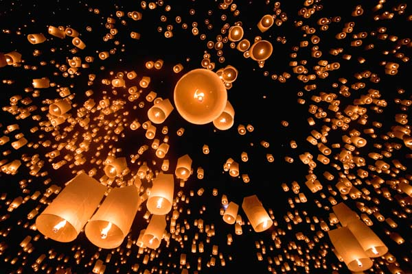 10,000 Thai lanterns go off in one giant wish at the Yi Peng festival in Chiang Mai