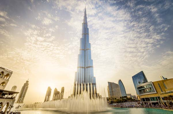 Every evening, the Dubai Mall Fountain erupts into a choreographed dance of water, as traditional Arabic and world music guide the streams